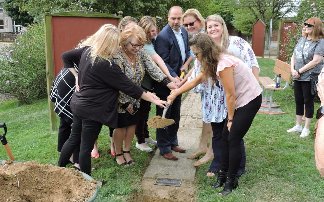 Group Dedicates Time Capsule